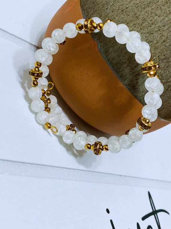 Matte White Crackle Agate + Gold Hematite Bracelet (Spiral Style)