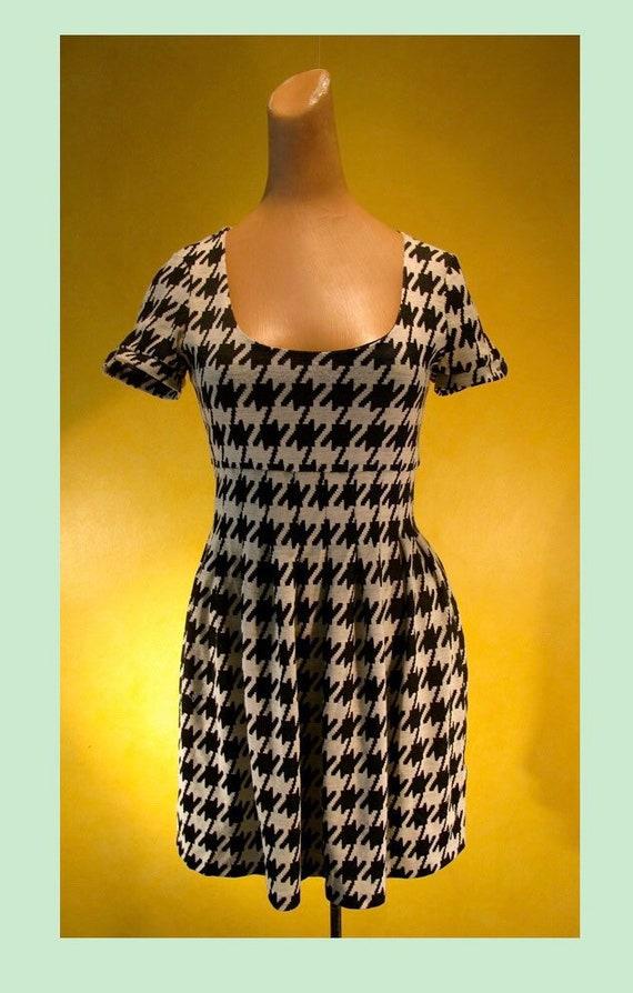 1980s Houndstooth Mod knit Dress
