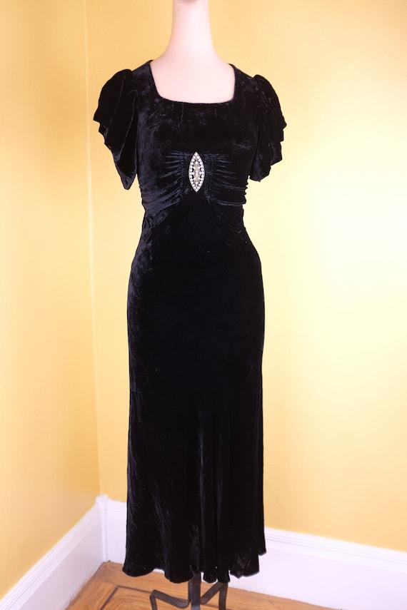 Glamorous 1930s Bias Cut Silk Velvet Gown - Size 2
