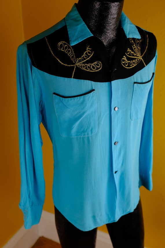 1950s/60s Aqua and Black Rayon Loop Collar Shirt