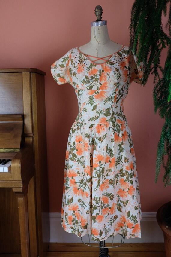 Lovely lady Cotton 1940s Frock, Size 4