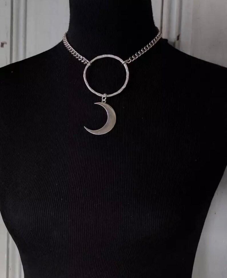 Moon O-Ring Choker