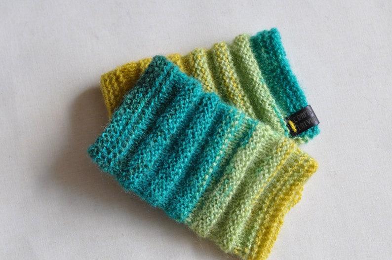 fingerless gloves; hand knitted gloves; Pulse warmers; wrist warmers; cuffs; arm warmers; fingerless mittens