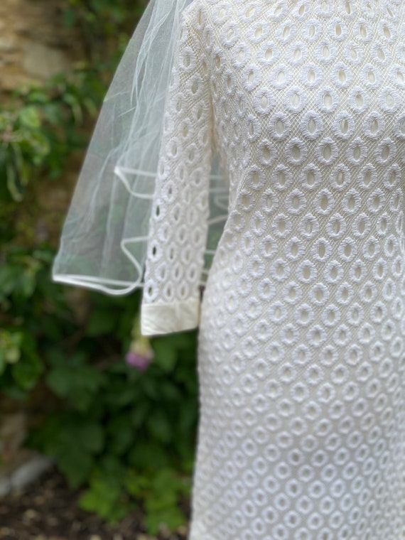1960s ivory lace Mod mini dress - image 2