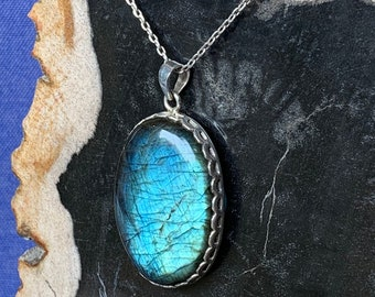 Labradorite pendent set with sterling silver