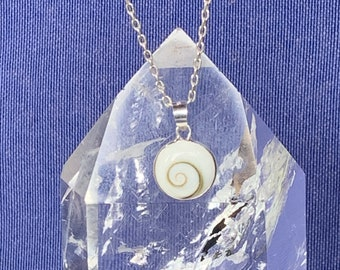 Round Shiva eye or Saint Lucia eye pendant set with sterling silver