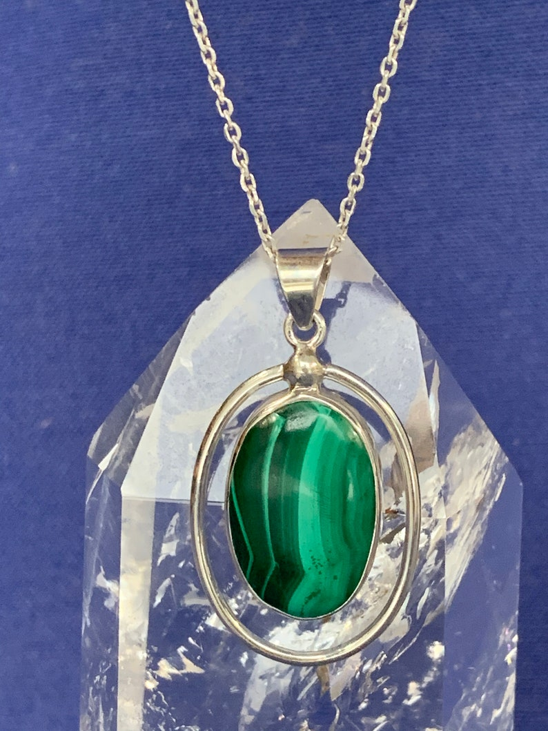 Malachite pendant set with Sterling silver