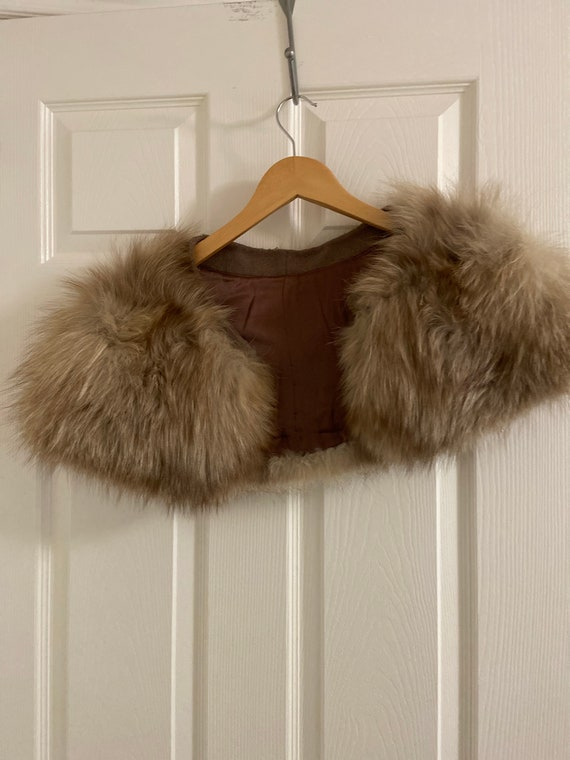 Fur stole - image 1
