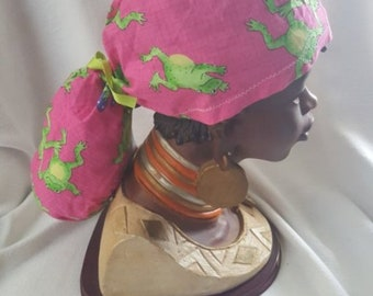 Ponytail Scrub Cap For Women, Handmade, 100% Cotton, Medical Surgical Hat, Bouffant- Pink with Green Frogs