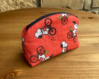Spiffy Pooches Handmade Coin Purse  Zipper Pouch Credit Card Pouch Chapstick Holder SNOOPY