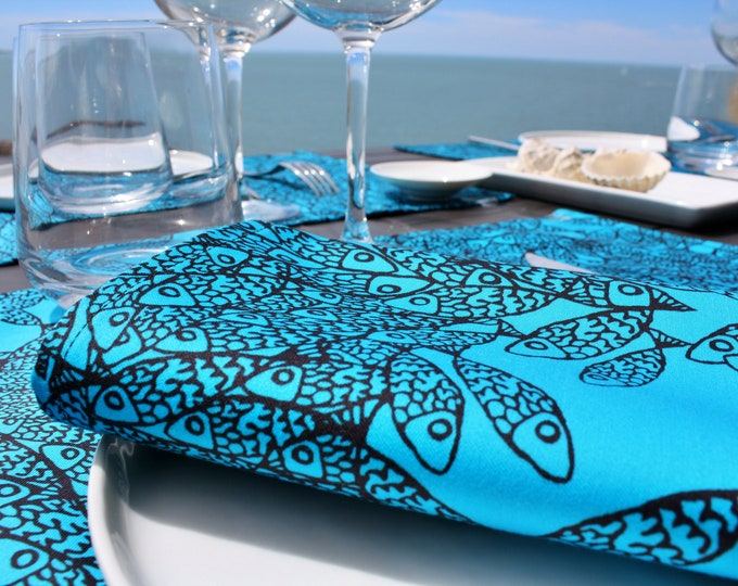 Serviette de table - 100 % coton - motifs poissons - bleu Atoll - Grand Travers - La Grande Motte - Occitanie - Made in France
