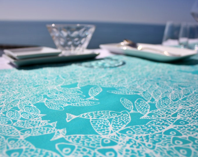 Chemin de table - 100 % coton - motifs poissons - vert Turquoise - Grand Travers - La Grande Motte - Occitanie - Made in France