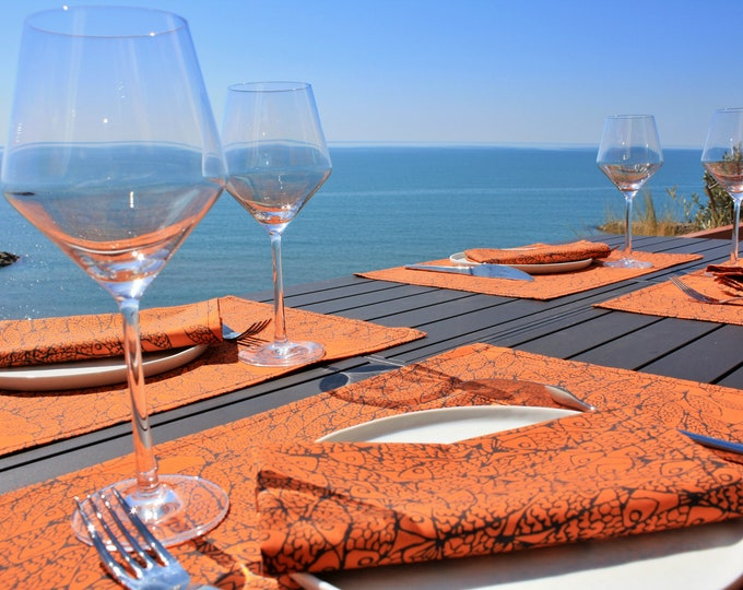 Serviette de table - 100 % coton - motifs poissons - orange Corail - Grand Travers - La Grande Motte - Occitanie - Made in France