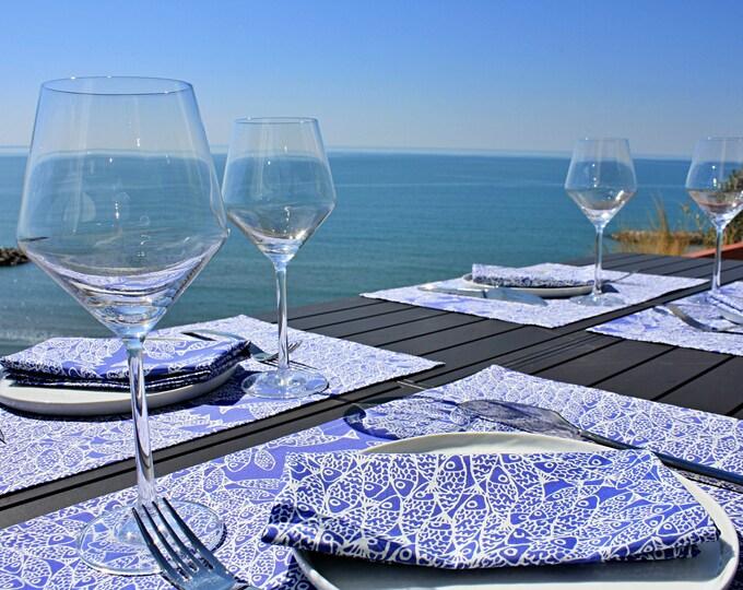 Set de table - 100 % coton - motifs poissons - bleu Majorelle - Grand Travers - La Grande Motte - Occitanie - Made in France