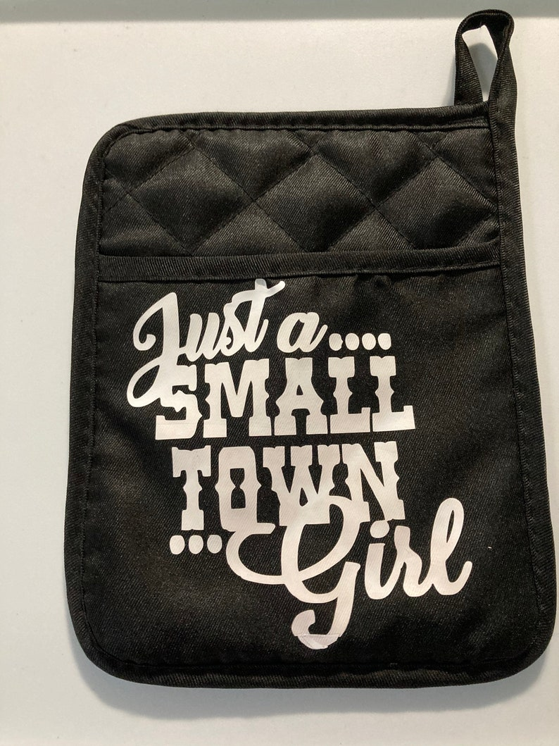 oven mitt,fun kitchen Neoprene pot holder with pocket small town girl sturdy and durable funny farm cute sayings