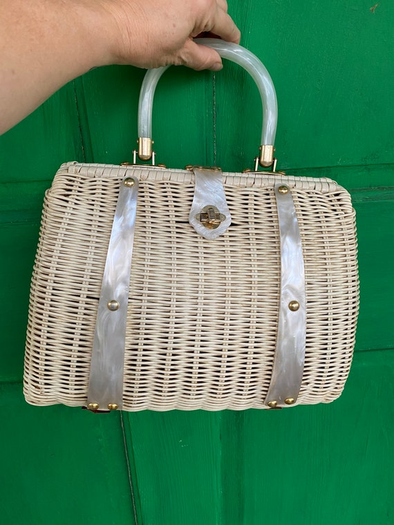 Vintage 1950/60s Vintage Wicker and Lucite Handbag