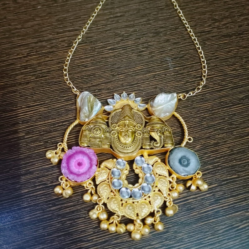 Natural Stones Big Pendant Charm Stylish Modern Necklace for Girls Druzy Necklace Druzy Stones USA Jewelry Indian Gold Plated