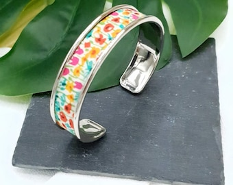 Colorful brass rush bracelet color of choice inserts cotton fabrics liberty of london Mitsi mint with water