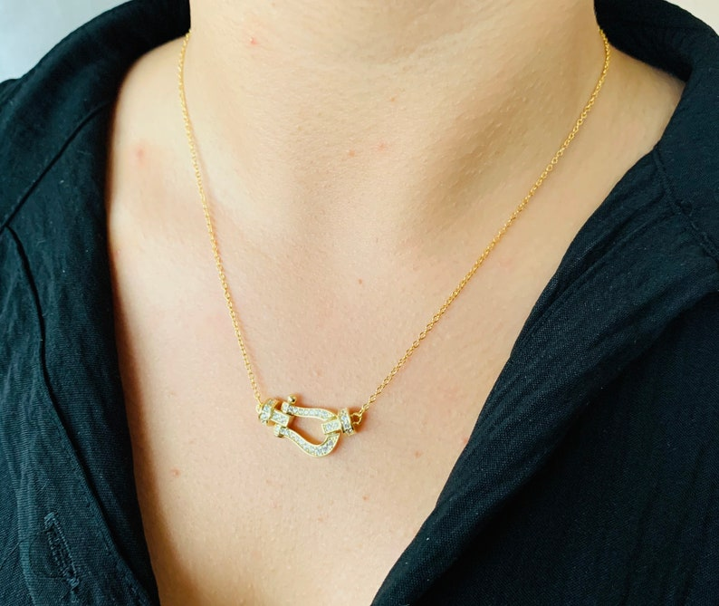 women/'s necklace neck brace trendy necklace thin necklace minimalist necklace neck collar Gold silver horseshoe necklace