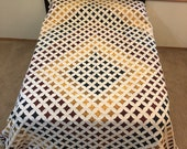 Amish Handmade Quilt Cathedral Window Quilt