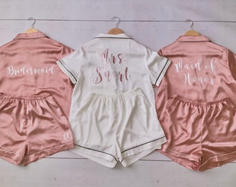 Personalized Pajamas Set/Bridesmaid Pajamas Short Set /Bride Squad/Bride Tribe/Bridesmaid proposal gifts/Graduation gifs
