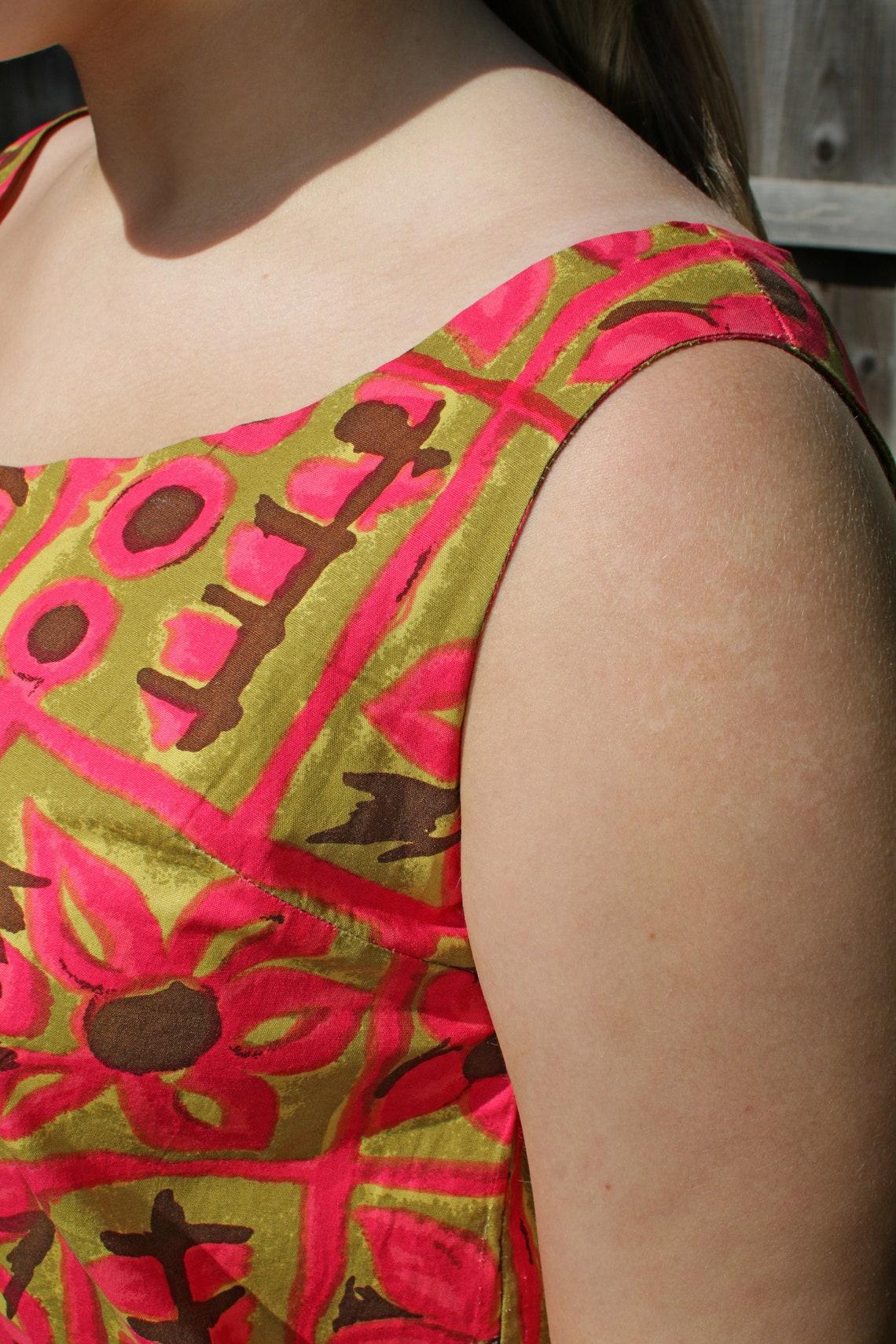 1960's geometric flower pattern shift dress