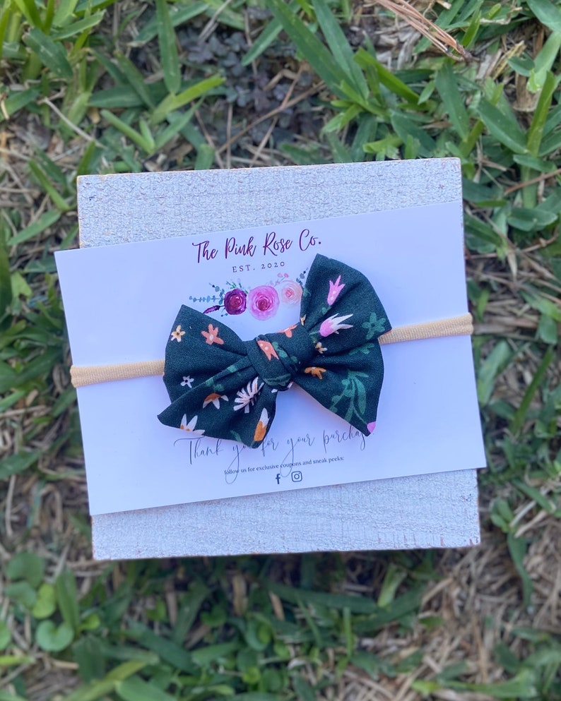 Spring Bow Forrest Green Floral Pinwheel Bow Bows on Nylon Green Bow Alligator Clip
