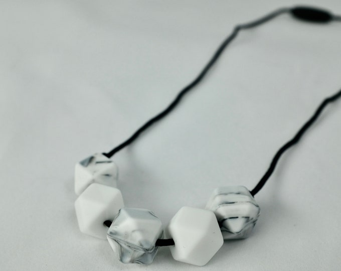 modern silicone necklace  | chewelry | modern mama | teething necklace | sensory necklace
