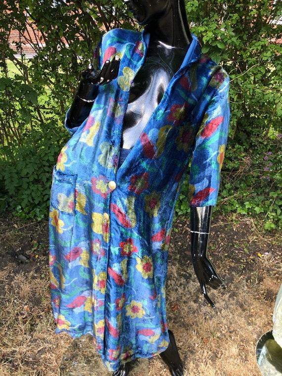 1970's Handmade floral velvet housecoat