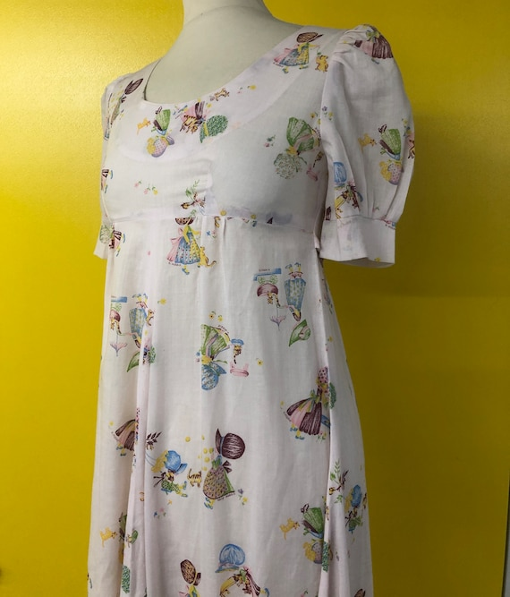 1970's Holly hobbie print with puff sleeve Empire