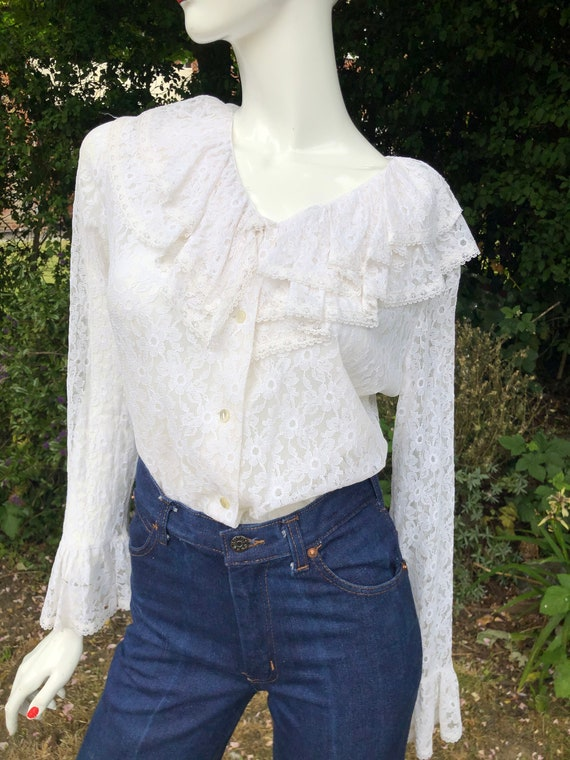 1970's White lace blouse with ruffle collar and cu