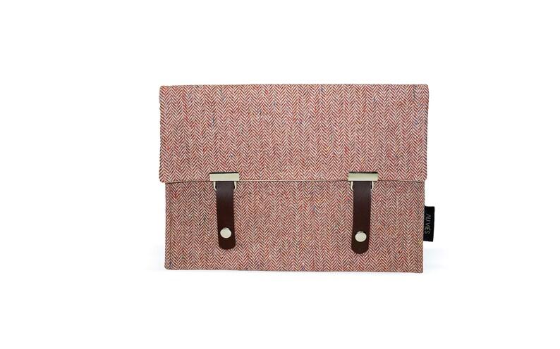 Pepper Brick  iPad Pouch  Tweed  iPad Sleeve  iPad Case  image 0