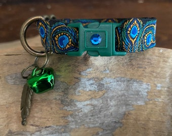 Blue & Green Peacock Feather Breakaway Cat Collar - 15mm wide - Bronze Fittings