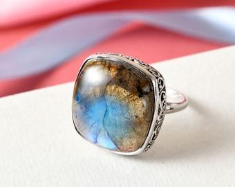 Gray Green Gemstone Ring Cocktail Ring Turquoise Teal Ring 12mm Labradorite Ring Crown Bezel Ring Blue Green Ring Sterling Silver Ring