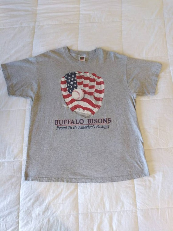 Vintage 2000 Buffalo Bisons T-Shirt