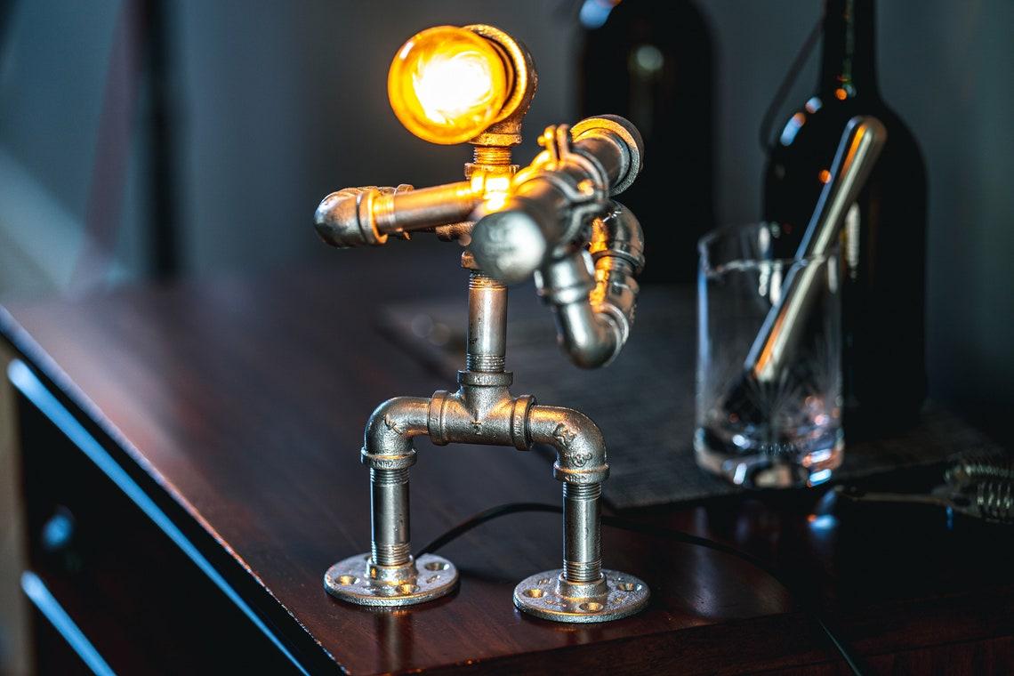 """Pipe Robot """"RPG"""" Desktop Lamp - Eclairage"""
