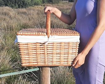 Wicker Picnic Basket / Picnic Basket with Lid / Camping Basket / Outdoor Basket / Picnic Storage Basket / Boho Basket