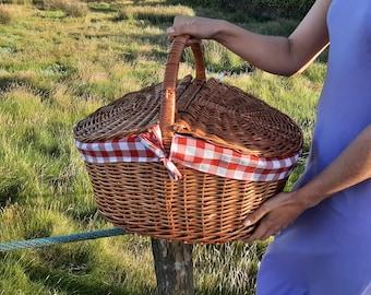 Wicker Picnic Basket / Picnic Basket with Lid / Camping Basket / Outdoor Basket / Picnic Storage Basket / Beach Basket / Boho Picnic Basket