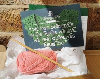 Crochet kit - beginner, starter, crochet-your-own collar - handmade, 100% cotton, colours