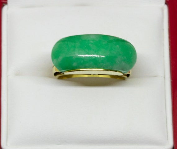 Green Jade Saddle 14K Yellow Gold Ring