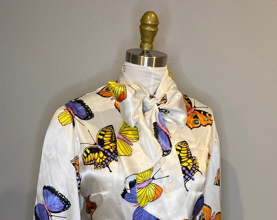 Butterfly Design Pussy Bow Blouse