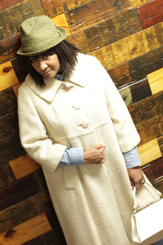 Vintage 60's Off White Wool Coat with 3/4 sleeves