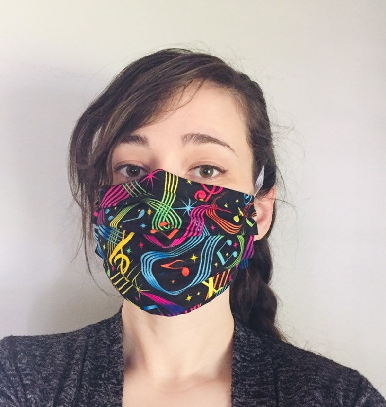 Musical Notes 100% Cotton surgical face mask sewn in reusable image 0