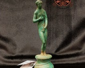 Reproduction bronze statue representing Aphrodite on a base. Height 18 cm