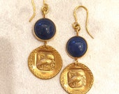 Brass earrings with gold bath. Decorated with the owl of Athena and stone in lapis lazuli