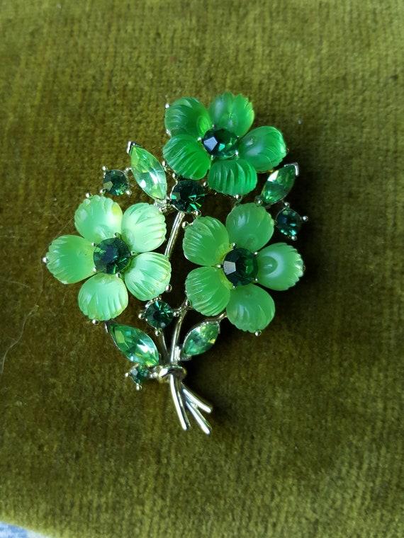 Lisner Floral Brooch