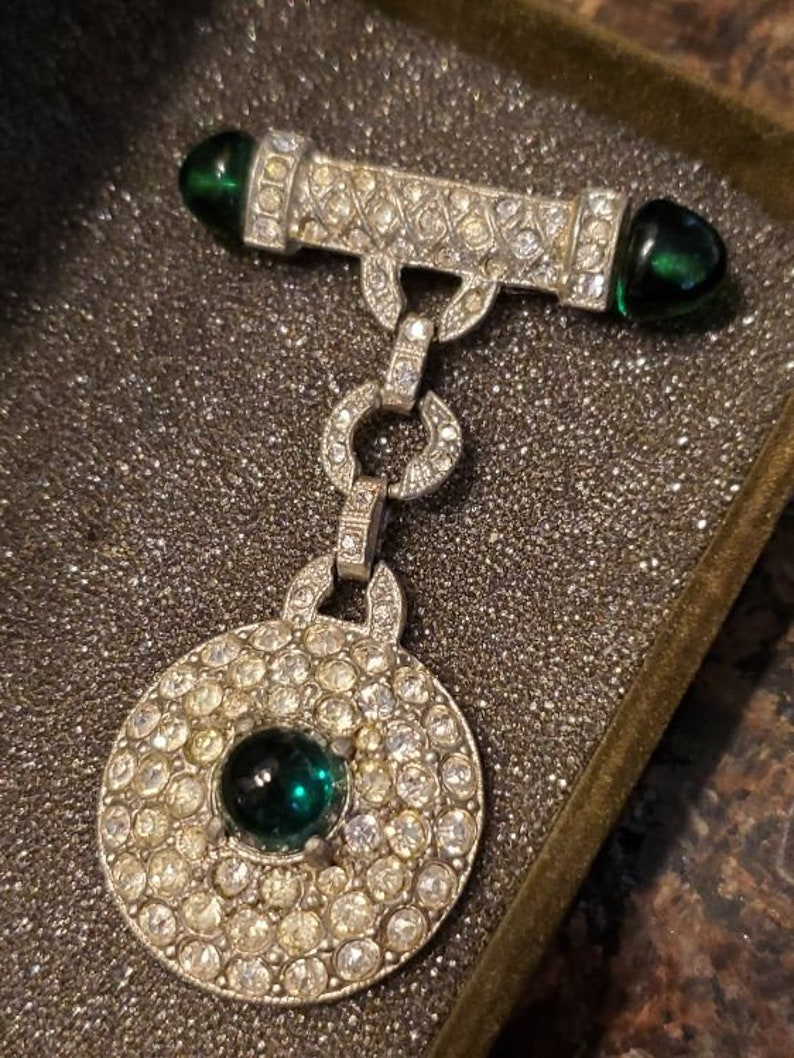 Pin with Drop Pendant and Green Gripoix Glass Stunning 1920/'s Art Deco Brooch