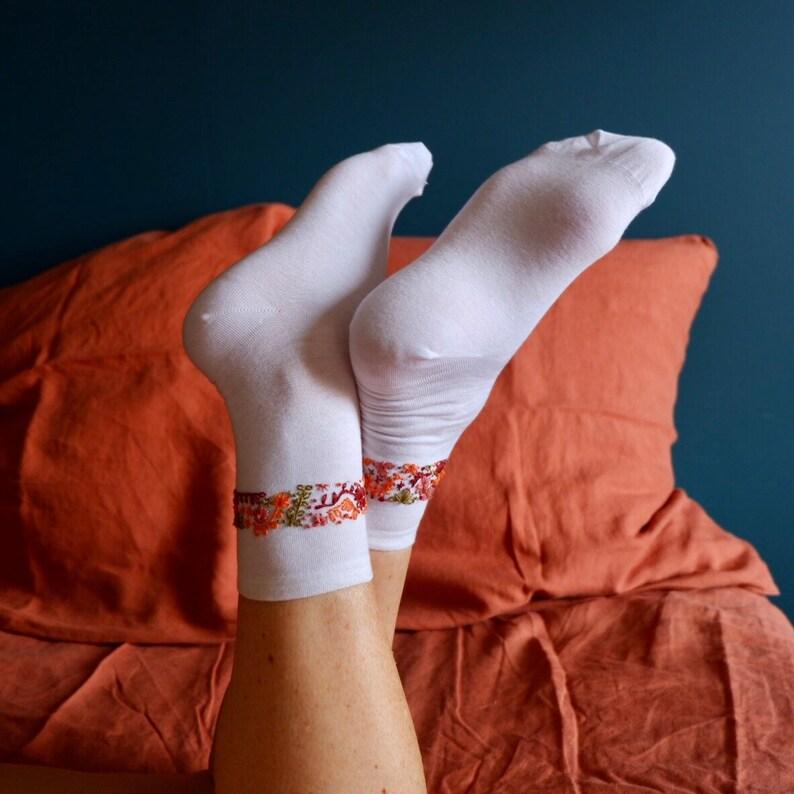 Chaussettes avec bandeau de fleurs  Flower band socks image 0