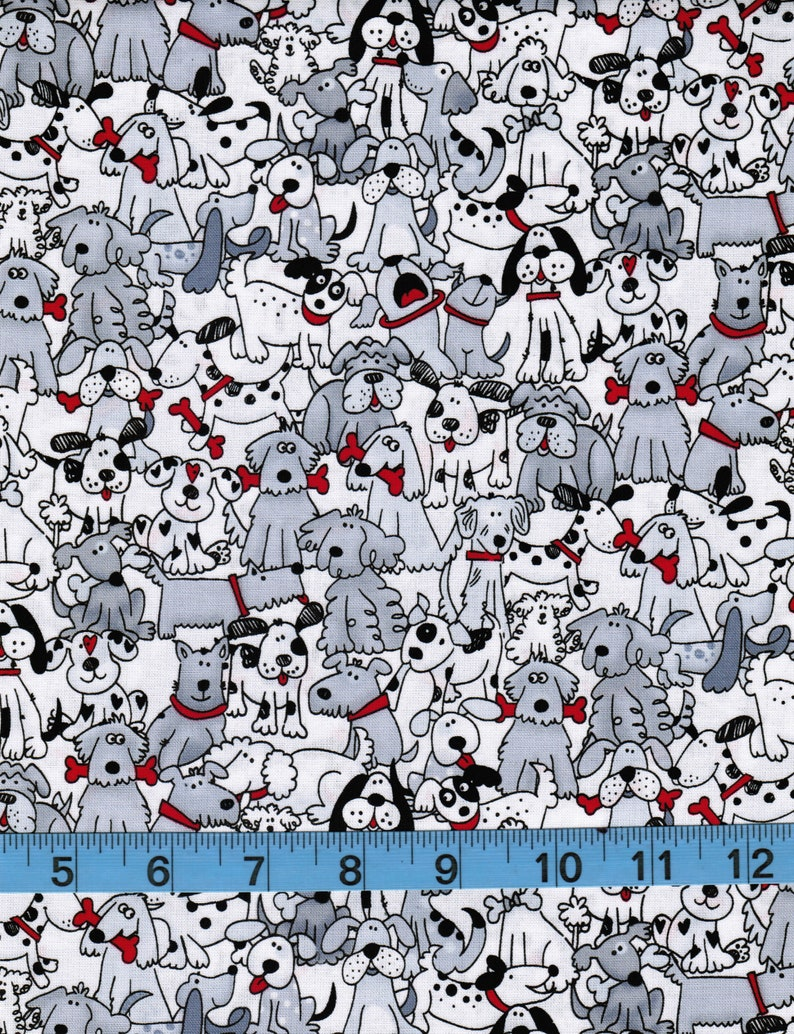 Fun Adorable Dogs with Bones Home Decor Craft Projects Cute Quilting,Apparel 100/% Cotton Fabric by the Yard Bella James Playful Pups
