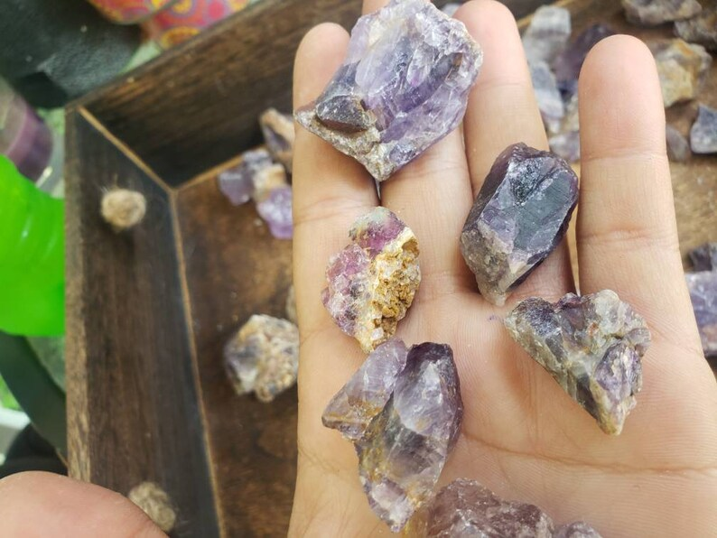 All RoughRawNatural Material A Grade Large Lot of Mixed Chevron /& Regular Amethyst Over 1.5lbs of Mixed Size Stones